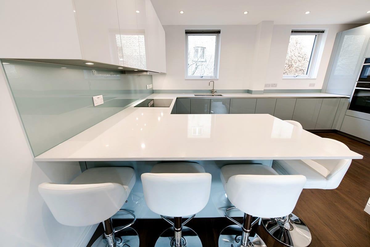 White Quartz Worktop 2   Qudaus Living, Sutton Coldfield
